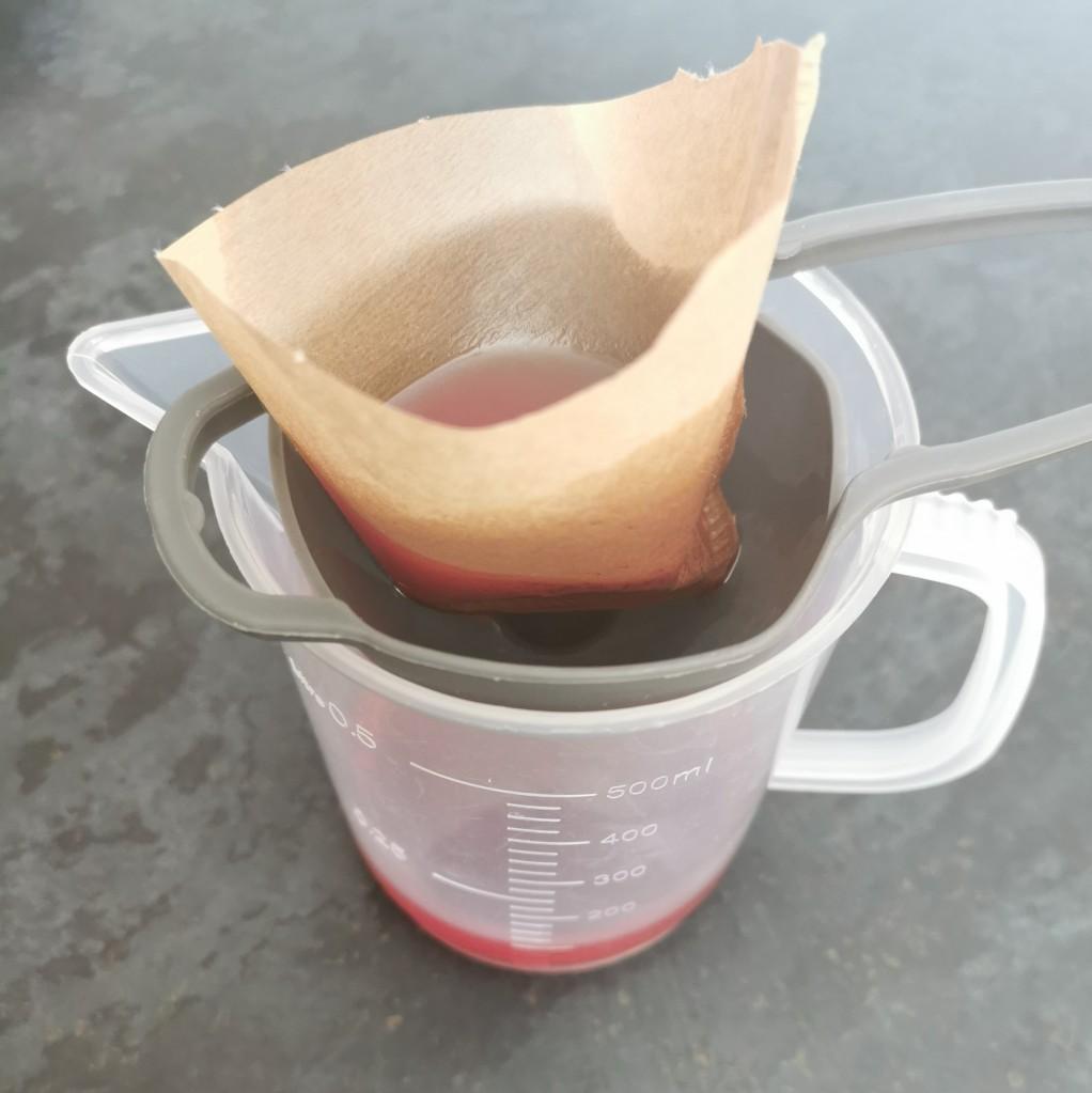 filtrage du macerat de millepertuis maison
